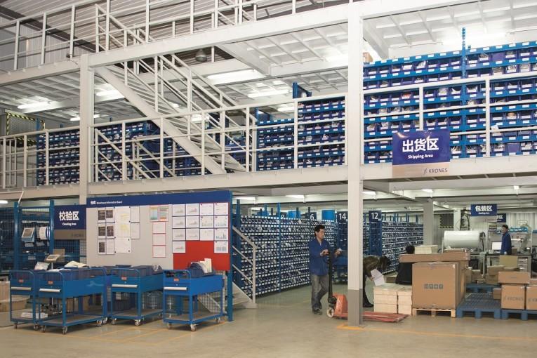 Automatisiert und zeitgleich individuell– das Lagerhaltungspaket von Krones